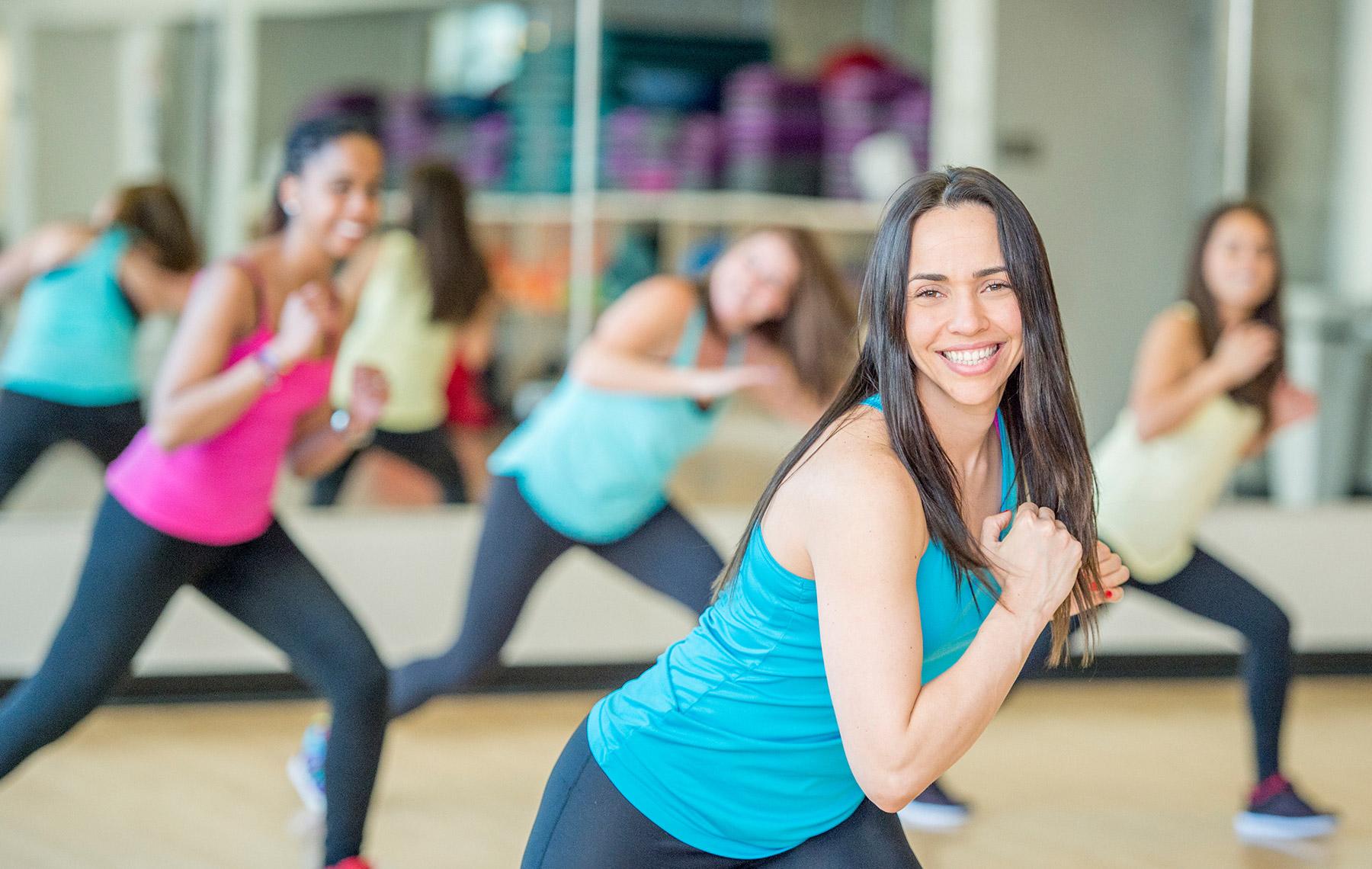 Women cardio-dancing