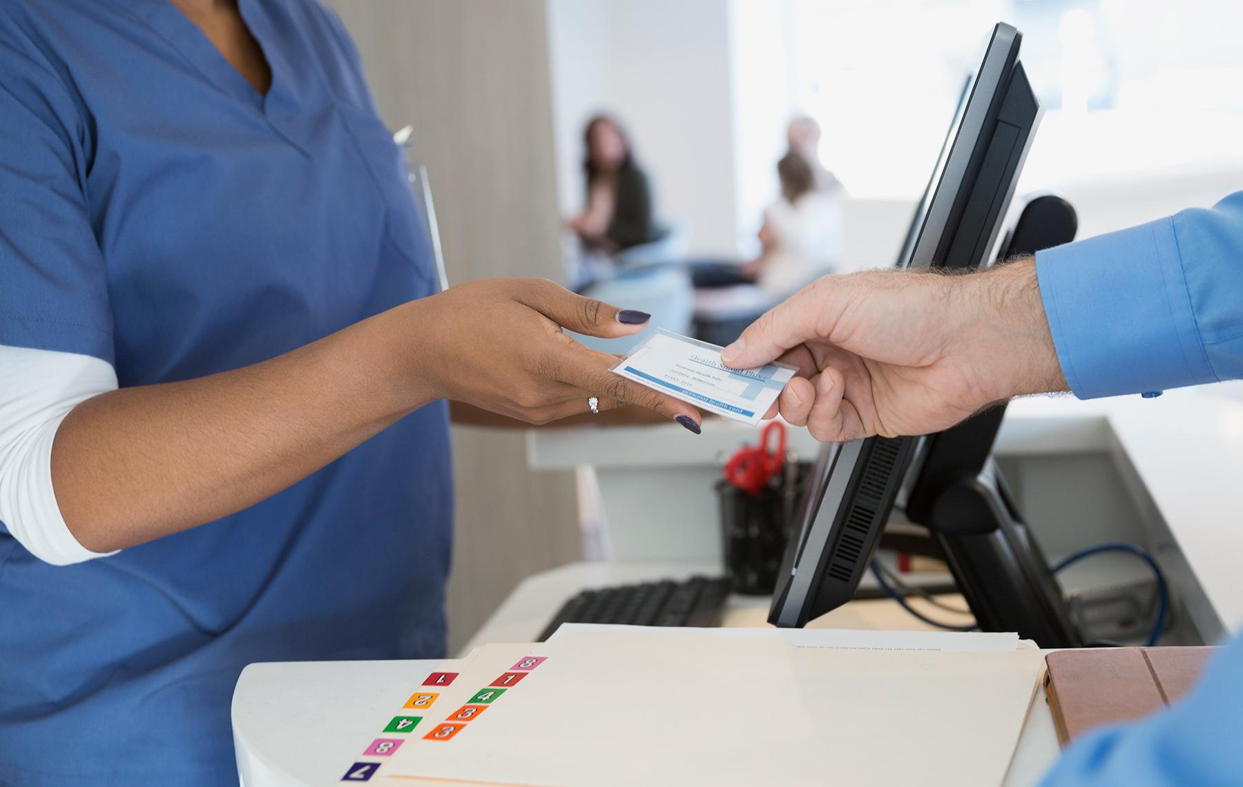 pagando por servicios de salud