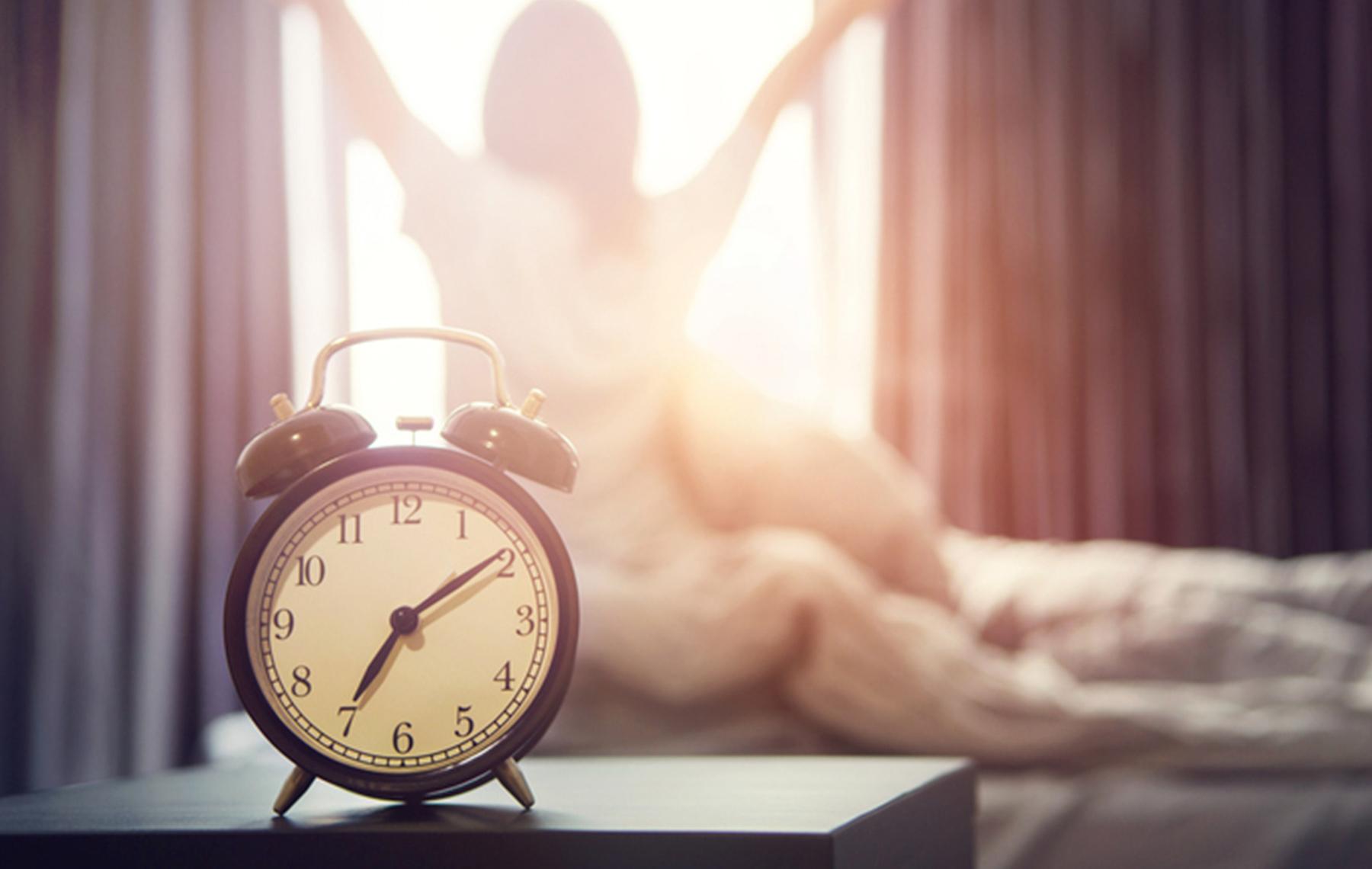 alarm clock-early bird vs night owl